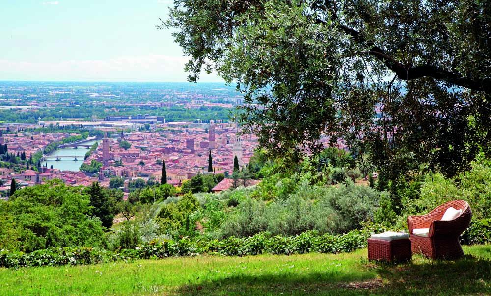 Vista città da agriturismo corte san mattia_defok