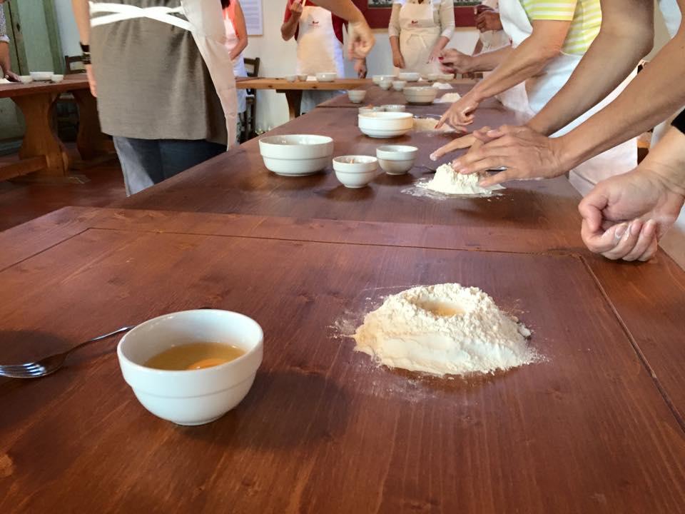cooking classes mani in pasta